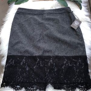 NWT Vince Camuto lace edge skirt size 8p